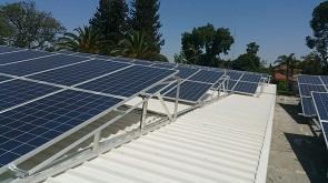 כיצד מתקינים מערכת סולארית ביתית?